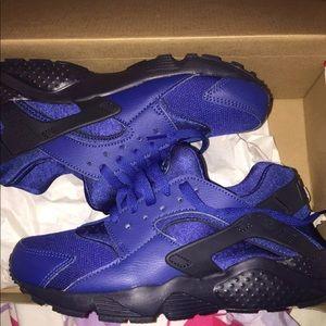 premium selection 7ae12 71ad9 Nike Shoes - Nike Huarache Run (GS) Gym Blue